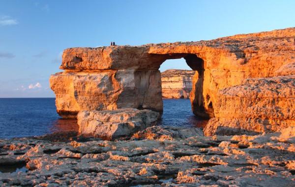 Okno v skalách na ostrove Gozo