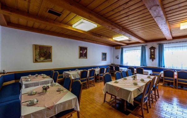 HotelTaferne-raňajková miestnosť