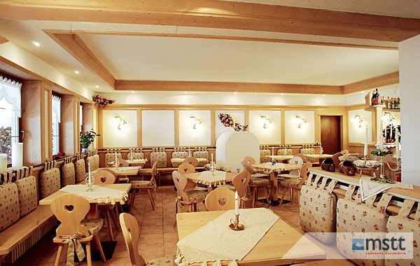 Hotel Camoscio Arabba ***