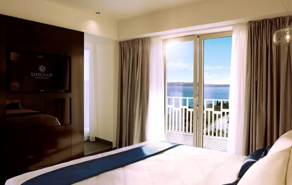 hotel-slovenija-suita-seaview-balcony-sauna-16jpg