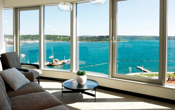 hotel-slovenija-suita-seaview-bigwindow-16