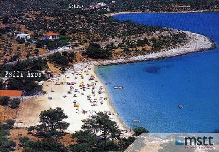 Psili Amos neďaleká pláž.