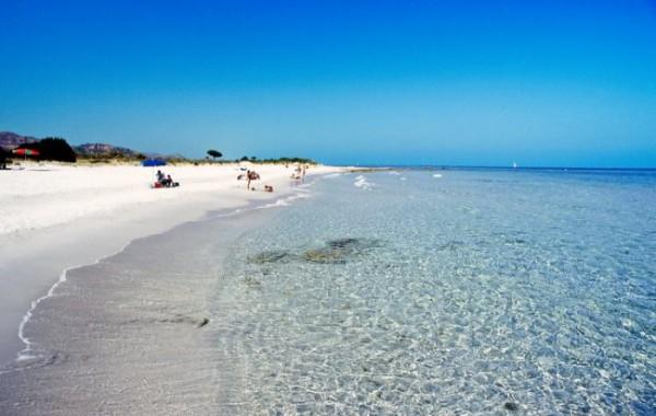 Sardínia, Marina Country pláž