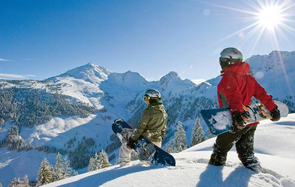 zwei+Snowboarder+am+Wiedersbergerhorn+Alpbach