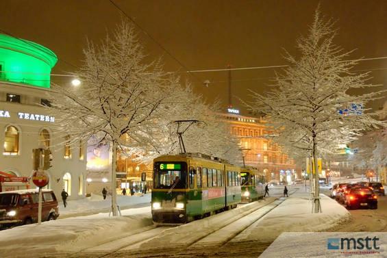 Raitiovaunu talvisella Mannerheimintiellä_555_1