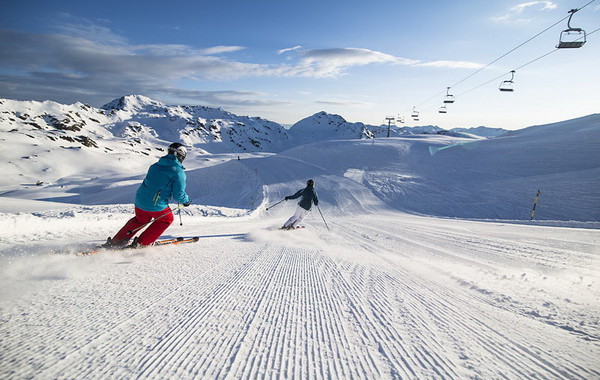 ZA_Good_morning_skiing
