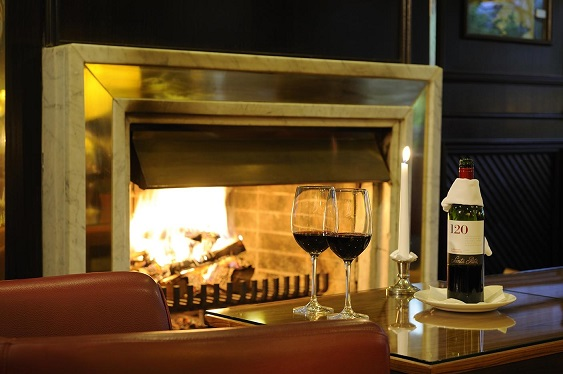 PL-Lobby-Bar-fireplace-wine